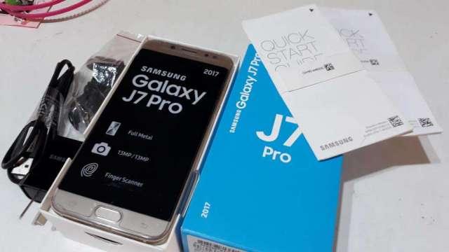 6cbe6b02978 Celulares Samsung J7 pro, NUEVO, dorado, libre de origen, huella digital,  caja y accesorios Lanús en Argentina - Tienda Celular