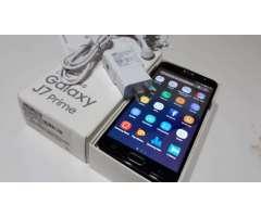 Samsung J7 prime, libre de origen, 3gb ram, 16gb internas, huella digital, caja y accesorios