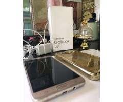 Samsung J7 Dorado