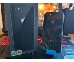 Iphone 8 de 64gb en caja ! con detalles de uso. No permuto.