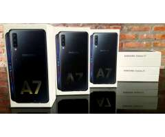 Oferta Celular Samsung A7 Dual, Triple camara, 64gb, 4 Ram. Nuevo