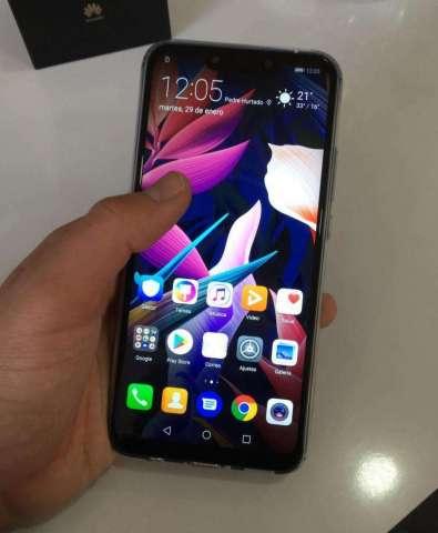 Celular Huawei Mate20Lite libre 4g impecable estado más case protector de regalo y glass...