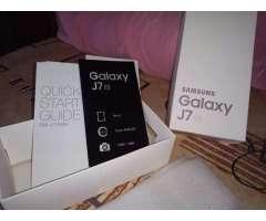 La caja del celular j7 Samsung sin celular